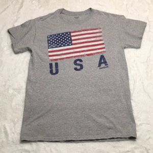 Reebok USA t-shirt size small